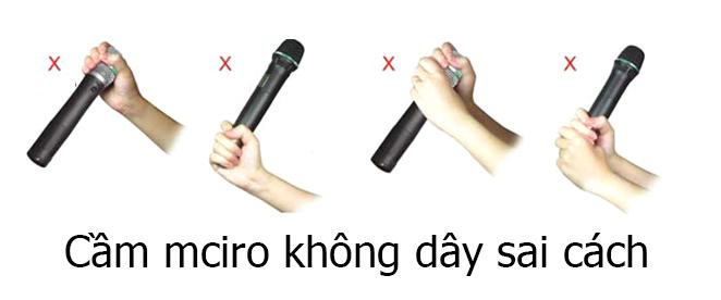 cách cầm micro chuyên nghiệp
